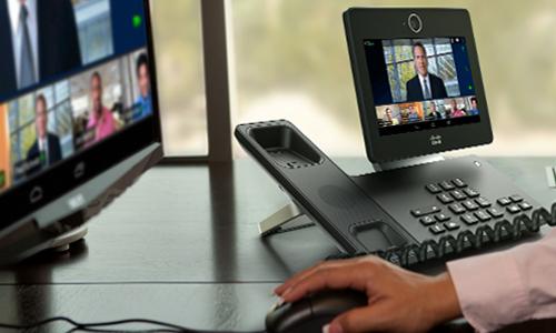 Soluție de conferințe web care combină sharing-ul de fișiere și prezentări cu serviciile de voce, video HD